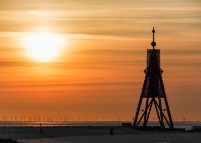 Kugelbarke im Sonnenaufgang